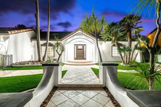 Photo 1: House for sale : 6 bedrooms : 6756 Park Ridge Blvd in San Diego