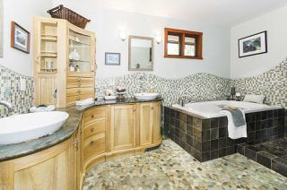 Photo 24: 560 NEWCROFT PLACE in West Vancouver: Cedardale House for sale : MLS®# R2506754