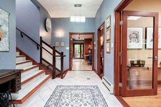 Photo 3: 560 NEWCROFT PLACE in West Vancouver: Cedardale House for sale : MLS®# R2506754