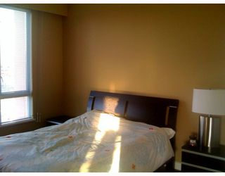 Photo 5: 403 6220 MCKAY Avenue in Burnaby: Metrotown Condo for sale (Burnaby South)  : MLS®# V798588