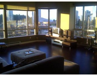 Photo 1: 403 6220 MCKAY Avenue in Burnaby: Metrotown Condo for sale (Burnaby South)  : MLS®# V798588