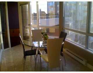 Photo 6: 403 6220 MCKAY Avenue in Burnaby: Metrotown Condo for sale (Burnaby South)  : MLS®# V798588
