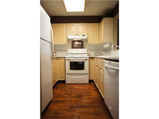 """Photo 8: 408 6707 SOUTHPOINT Drive in Burnaby: South Slope Condo for sale in """"MISSION WOODS"""" (Burnaby South)  : MLS®# V1015325"""
