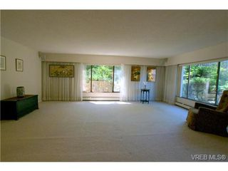 Photo 9: 107 2930 Cook St in VICTORIA: Vi Mayfair Condo for sale (Victoria)  : MLS®# 645956