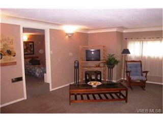 Photo 9:  in VICTORIA: SE Quadra Single Family Detached for sale (Saanich East)  : MLS®# 400536