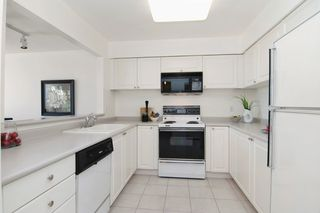"Photo 2: 403 2288 W 12TH Avenue in Vancouver: Kitsilano Condo for sale in ""CONNAUGHT POINT"" (Vancouver West)  : MLS®# V1077930"