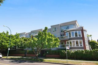 "Photo 1: 403 2288 W 12TH Avenue in Vancouver: Kitsilano Condo for sale in ""CONNAUGHT POINT"" (Vancouver West)  : MLS®# V1077930"
