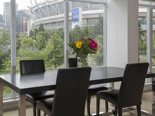Photo 2: 201 918 Cooperage Way in Vancouver: Yaletown Condo for sale (Vancouver West)  : MLS®# V1066457