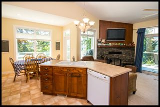 Photo 34: 3513 Eagle Bay Road in Eagle Bay: Waterfront House for sale : MLS®# 10100248