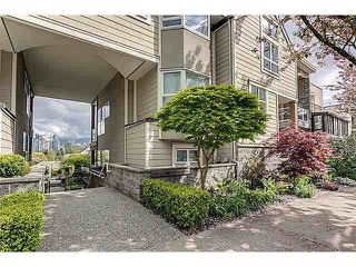 Photo 2: 303 933 W 8TH AVENUE in : Fairview VW Condo for sale (Vancouver West)  : MLS®# R2100986