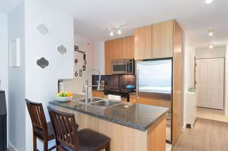Photo 4: 208 1001 RICHARDS STREET in Vancouver: Downtown VW Condo for sale (Vancouver West)  : MLS®# R2141824