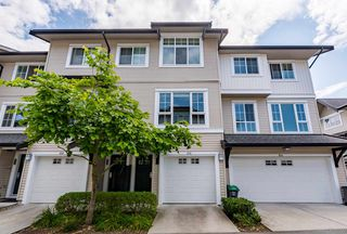 Photo 1: 105 2450 161A Street in Surrey: Grandview Surrey Townhouse for sale (South Surrey White Rock)  : MLS®# R2390748