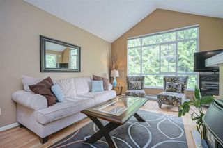 "Photo 2: 433 1252 TOWN CENTRE Boulevard in Coquitlam: Canyon Springs Condo for sale in ""THE KENNEDY"" : MLS®# R2393511"