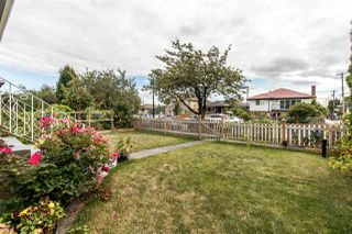 Photo 2: 225 E 57 Avenue in Vancouver: South Vancouver House for sale (Vancouver East)  : MLS®# R2403721
