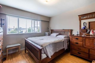 Photo 11: 225 E 57 Avenue in Vancouver: South Vancouver House for sale (Vancouver East)  : MLS®# R2403721