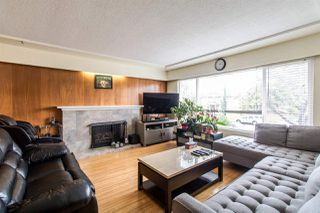 Photo 4: 225 E 57 Avenue in Vancouver: South Vancouver House for sale (Vancouver East)  : MLS®# R2403721