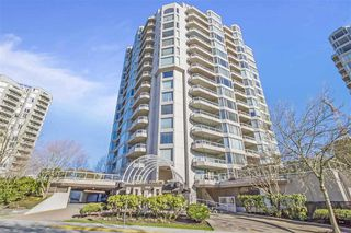 Photo 1: 902 1065 QUAYSIDE Drive in New Westminster: Quay Condo for sale : MLS®# R2425680