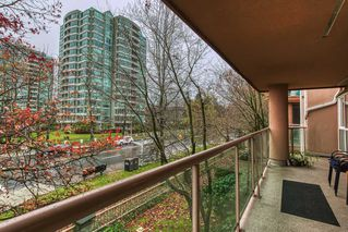 Photo 16: 212 14998 101A AVENUE in Surrey: Guildford Condo for sale (North Surrey)  : MLS®# R2427256