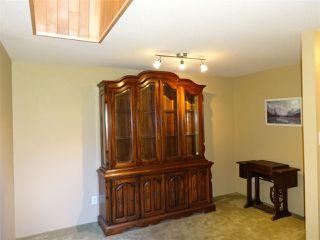 "Photo 11: 5772 PEBBLES Crescent in Sechelt: Sechelt District House for sale in ""SECHELT VILLAGE"" (Sunshine Coast)  : MLS®# R2436378"