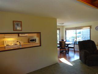"Photo 9: 5772 PEBBLES Crescent in Sechelt: Sechelt District House for sale in ""SECHELT VILLAGE"" (Sunshine Coast)  : MLS®# R2436378"