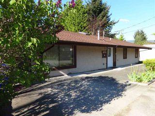"Photo 1: 5772 PEBBLES Crescent in Sechelt: Sechelt District House for sale in ""SECHELT VILLAGE"" (Sunshine Coast)  : MLS®# R2436378"