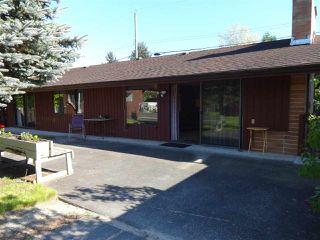 "Photo 3: 5772 PEBBLES Crescent in Sechelt: Sechelt District House for sale in ""SECHELT VILLAGE"" (Sunshine Coast)  : MLS®# R2436378"