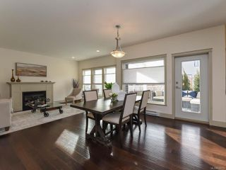 Photo 4: 2585 Kendal Ave in CUMBERLAND: CV Cumberland House for sale (Comox Valley)  : MLS®# 834712