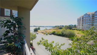 Photo 3: 216 165 Kimta Rd in : VW Songhees Condo Apartment for sale (Victoria West)  : MLS®# 845649
