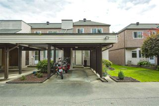 "Photo 3: 33 7529 140 Street in Surrey: East Newton Townhouse for sale in ""Glenview Estates"" : MLS®# R2483699"