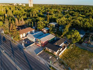 Photo 3: 1024 College Drive in Saskatoon: Varsity View Commercial for sale : MLS®# SK821161