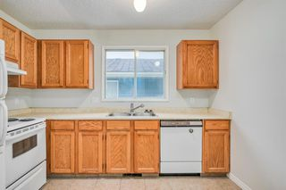 Photo 10: 35 SANDSTONE Drive NW in Calgary: Sandstone Valley Detached for sale : MLS®# A1031986