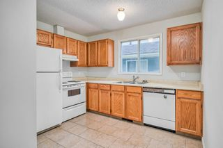 Photo 8: 35 SANDSTONE Drive NW in Calgary: Sandstone Valley Detached for sale : MLS®# A1031986