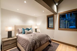 """Photo 15: 7441 TREETOP Lane in Whistler: Nesters House for sale in """"Nesters - Walk to Whistler Village!"""" : MLS®# R2520435"""