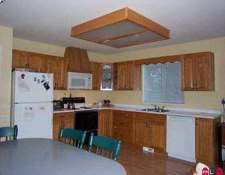 """Photo 6: 16119 90TH AV in Surrey: Fleetwood Tynehead House for sale in """"MAPLE GLEN"""" : MLS®# F2605725"""