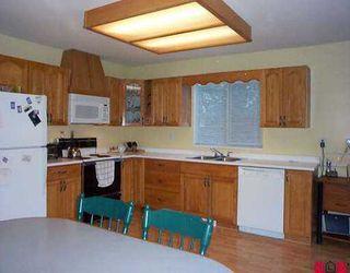 """Photo 5: 16119 90TH AV in Surrey: Fleetwood Tynehead House for sale in """"MAPLE GLEN"""" : MLS®# F2605725"""
