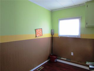 """Photo 4: 10472 99TH Street: Taylor Manufactured Home for sale in """"TAYLOR"""" (Fort St. John (Zone 60))  : MLS®# N239096"""