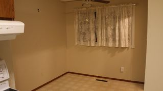 Photo 3: 767 Sheppard Street in Winnipeg: Single Family Attached for sale (Maples)  : MLS®# 1429333