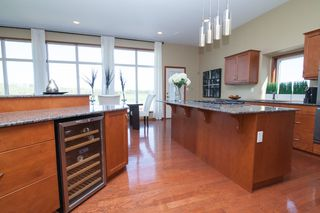 Photo 10: SOLD in : Charlewood Single Family Detached for sale : MLS®# 1529981