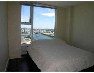 "Photo 5: 3007 1009 EXPO BV in Vancouver: Downtown VW Condo for sale in ""LANDMARK 33"" (Vancouver West)  : MLS®# V549103"