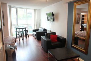 Photo 2:  in Vancouver: Condo for rent