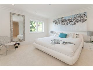Photo 14: 949 Roslyn Boulevard in North Vancouver: Dollarton House for sale : MLS®# V1139192