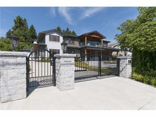 Photo 2: 949 Roslyn Boulevard in North Vancouver: Dollarton House for sale : MLS®# V1139192