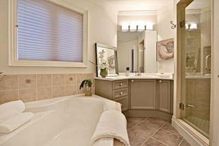 Photo 18: 2572 Castle Hill Cres in : 1015 - RO River Oaks FRH for sale (Oakville)  : MLS®# OM2088905
