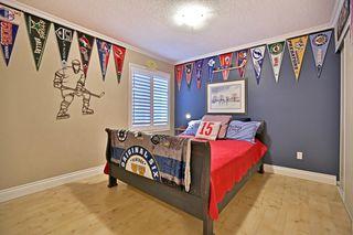 Photo 4: 2572 Castle Hill Cres in : 1015 - RO River Oaks FRH for sale (Oakville)  : MLS®# OM2088905