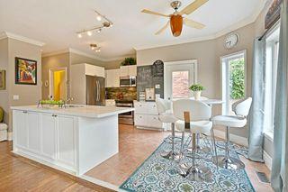 Photo 13: 2572 Castle Hill Cres in : 1015 - RO River Oaks FRH for sale (Oakville)  : MLS®# OM2088905