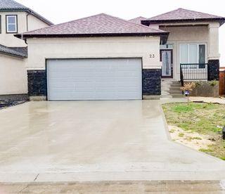 Photo 1: 23 Water Ridge Path in Winnipeg: Single Family Detached for sale (4L)  : MLS®# 1906039