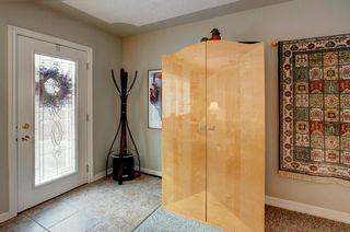 Photo 3: 2132 53 AV SW in Calgary: North Glenmore Park House for sale : MLS®# C4281707