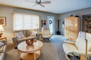 Photo 4: 2132 53 AV SW in Calgary: North Glenmore Park House for sale : MLS®# C4281707
