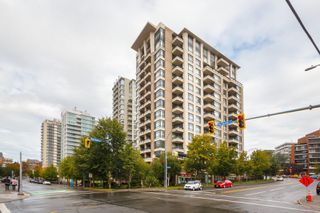 Photo 1: 406 788 Humboldt St in : Vi Downtown Condo for sale (Victoria)  : MLS®# 862335