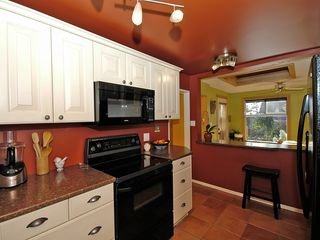 Photo 30: 877 Leslie Dr in VICTORIA: SE Swan Lake House for sale (Saanich East)  : MLS®# 597777